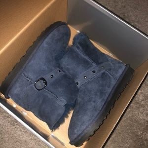 Blue and chestnut children's boots
